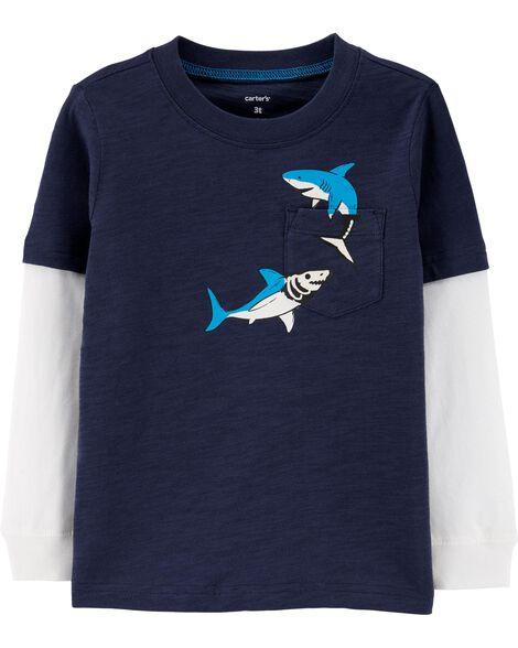 T-shirt de style superposé à poche et requin