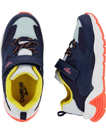Chaussures aux couleurs contrastant...
