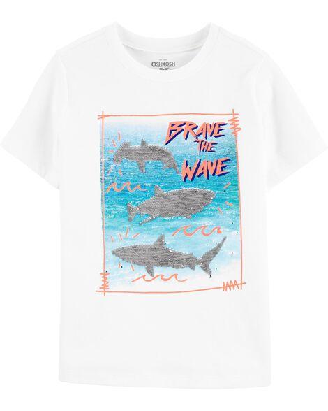 T-shirt dévoilant un requin